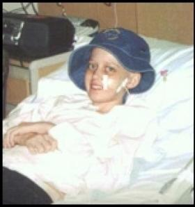 Young cancer patient received Britney Spears hat
